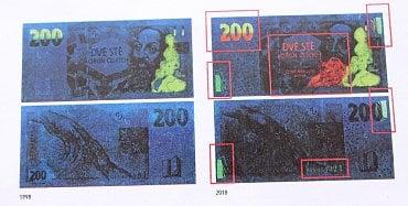 Porovnání staré a inovované emise 200Kč bankovky pod ultrafialovým světlem. Inovovaná emise má mimo jiné doplněný ornament, který připomíná knihu.
