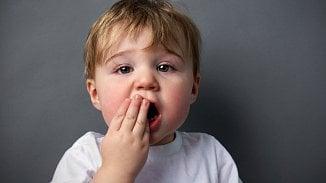 Galerie: Imalé děti mají velmi zkažené zuby