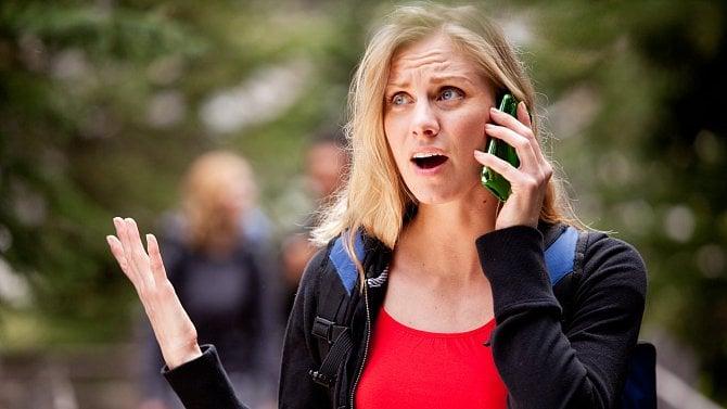 Může zaměstnavatel využívat soukromý telefon a e-mail zaměstnance?
