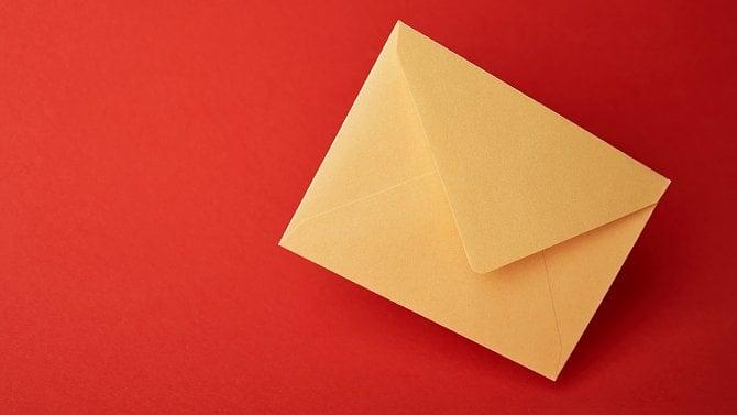 Můžete zneplatnit výpověď tím, že si pro ni na poštu nedojdete?