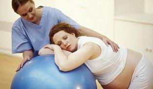Reakce matek jsou někdy neuvěřitelné, říká porodní asistentka
