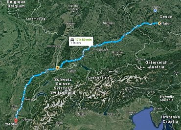 Trasa amatérských cyklistů Tábor – Romans-sur-Isèr jen s kreditkou Hello bank.