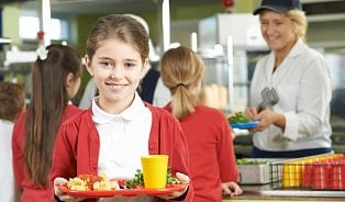 Vitalia.cz: Mají si děti ve škole vybírat zvíce obědů?