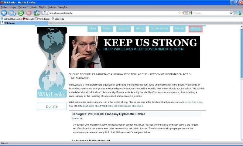 Po klepnutí na odkaz Mirrors se zobrazí internetová stránka s aktuálními adresami, přes něž jsou Wikileaks dostupné. V současnosti existuje přes tisíc kopií této stránky