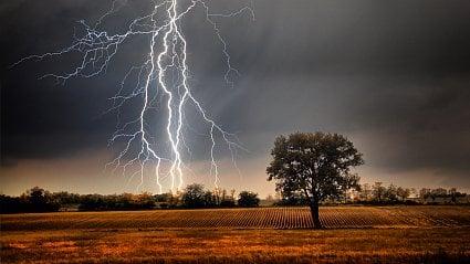 Vitalia.cz: Nepodceňujte bouřky, raději si zalezte. Ale kam?