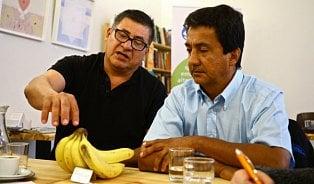 Vozí knám banány bez chemie, poznáte je podle nálepky
