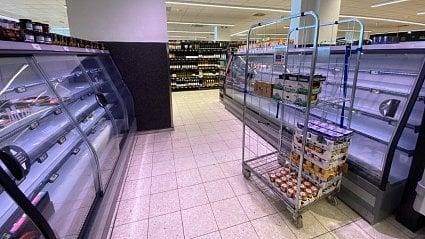 Vitalia.cz: Kdo jsou lidé, kteří vykupují obchody spotravinami