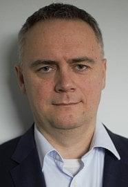 Martin Vlček má mnohaleté zkušenosti z právní oblasti. Působil na několika vedoucích pozicích v českých i evropských bankách.