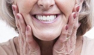 Zubaři umí zajistit protézu tak, aby dobře držela