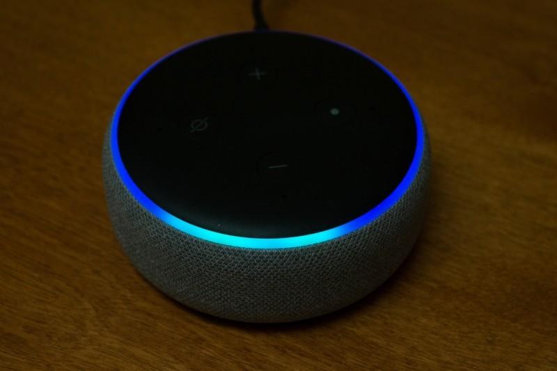 Tyrkysově zbarvená část ukazuje směr, z něhož Alexa zachytila váš hlas.