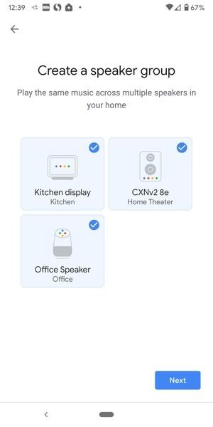 Google umožňuje propojení jeho inteligentních reproduktorů, inteligentních zobrazovačů a klientů Chromecast, takže můžete stejnou hudbu přehrávat po celém domě.