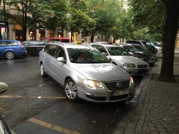 Hopin. Taxík vezl testerku z Opletalovy ulice na Pařížskou. Vše bylo v pořádku.