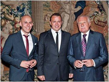 Zleva: Tomáš Cína – Head of Sales BOSSA, Remigiusz Gorski – Generální ředitel BOSSA, Václav Klaus – Prezident České republiky