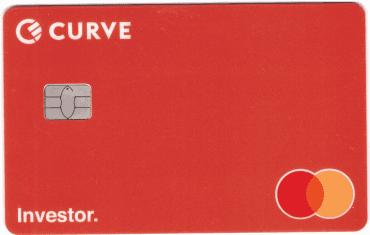 Nová debetní karta Curve. Můžete se na ni podívat bez fotoúprav, protože na ní nenajdete ani číslo, ani platnost, ani CVC kód. Vše se zobrazí v mobilní aplikaci. (13. 7. 2020)