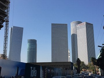 V Tel Avivu je ve výstavbě několik dalších mrakodrapů