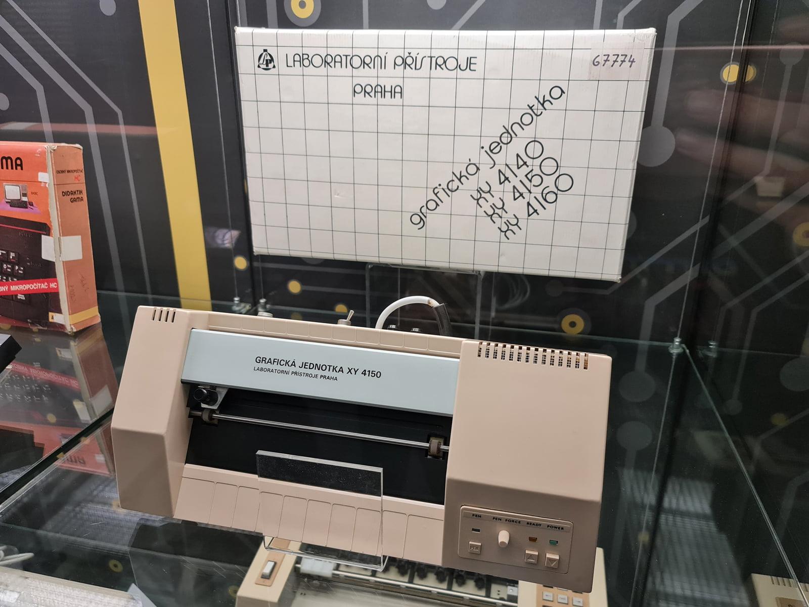 Československé počítače, čipy a další výpočetní technika