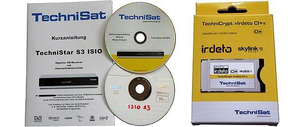 V balení přijímače je stručný manuál v němčině a dvě CD s podrobným německým a českým manuálem. Vpravo na obrázku je obchodní balení modulu TechniSatu Irdeto CI/CI+m který si můžete objednat zvlášť, nebo společně s přijímačem jako set.