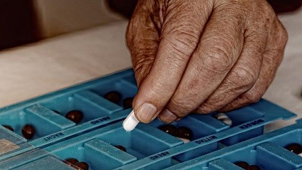 dávkovač léků