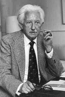 Erik Homburger Erikson (1902-1994), německo-americký psychoanalytik a zástupce psychoanalytické ichpsychologie. Patří k nejcitovanějším psychologům 20. století.
