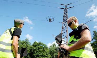 Letecká inspekce sloupů VVN drony
