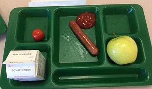 Školní obědy amerických dětí. To jste neviděli
