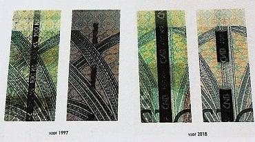 Srovnání ochranných proužků u 100 Kč bankovky. Emise z roku 1997 má proužek o šířce 1,4 mm s opakujícím se negativním mikrotextem. Emise z roku 2018 má proužek o šířce 3 mm se šrafovaným negativním mikrotextem s logem ČNB a nominální hodnotou 100 Kč.