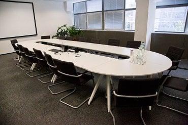 Konferenční místnost.