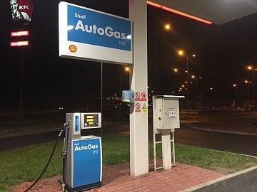 Stojan s LPG na čepací stanici Shell v Ostravě-Antošovicích na D1.