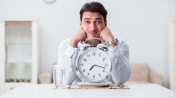 Za dlouhé čekání na jídlo v restauraci si může říct zákazník o slevu