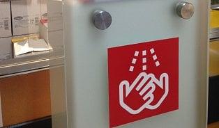 Kaufland se chlubí hygienickou stanicí, ubrousky vní ale nedoplňuje