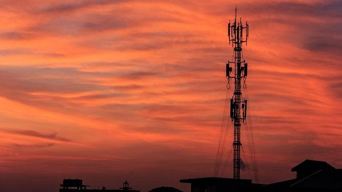 [článek] Krátké vlny: Průměrná spotřeba dat na SIM vzrostla na 3,1GB za měsíc, trh pořád ovládají tři velcí operátoři
