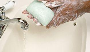 Češi si myjí ruce i10× denně apořád je to málo