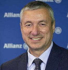 Tomáš Ženíšek, ředitel oddělení finančně poradenského kanálu Allianz. (10.8.2020)