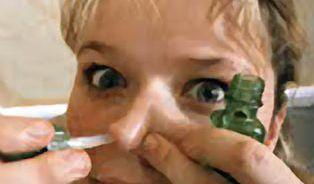 Pozor: na nosních kapkách vzniká těžká závislost!