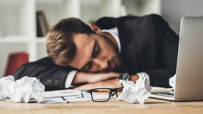 Obchodní rejstřík je zaplevelený spícími firmami, každý pátá není aktivní