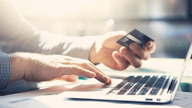 [aktualita] Češi využívají online bankovnictví nejvíce v regionu střední a východní Evropy