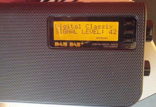 Během dobrých ranních podmínek se podařilo naskenovat a naladit také digitální rozhlasový multiplex z Mnichova. Pravděpodobně se jedná o vysílač Ismaning s vyzářeným výkonem (ERP) 7,5 kW.