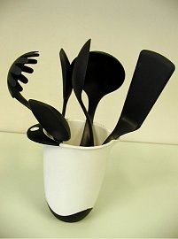 Kuchyňské obracečky obsahují rakovinotvorné látky.