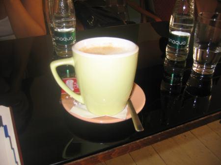 káva k kavárně