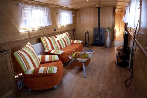 Loď interiér