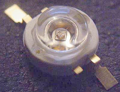 Výkonová LED ve viditelném pásmu