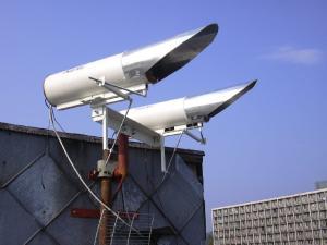 Fotka instalace v Bratislavě připojující koleje STU Mladosť do páteře SANET, 10Mbps full duplex na 940 metrů