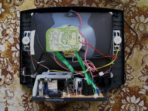 Sencor STV 2112DVBT - vnitřek celkový pohled