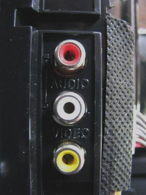 Sencor STV 2112DVBT - vnitřek AV2