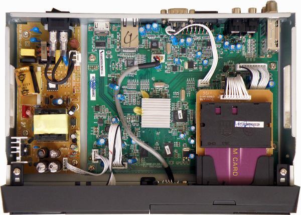 HD BOX IRD-8000 HD PVR vnitřek