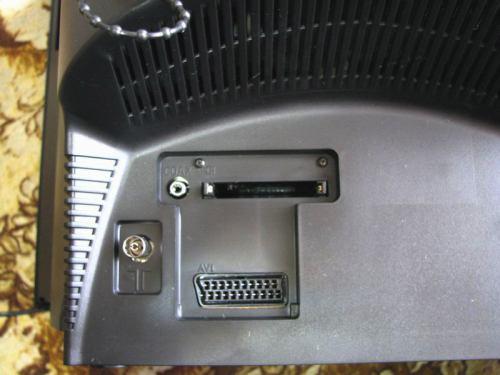 Sencor STV 2112DVBT - zadní konektory