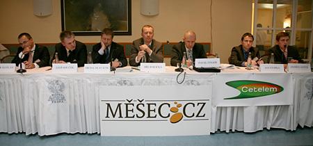 Konference - zadluženost - fotka