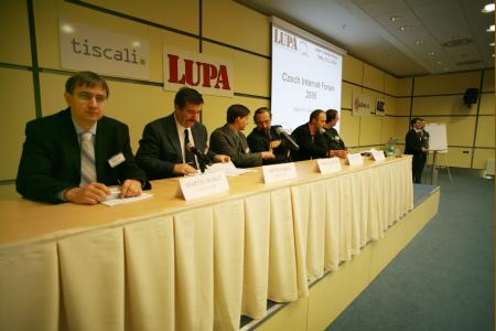 Czech Internet Forum 2006 - první diskuzní panel