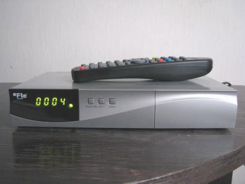 FTE MAX T115 přední panel zapnutý