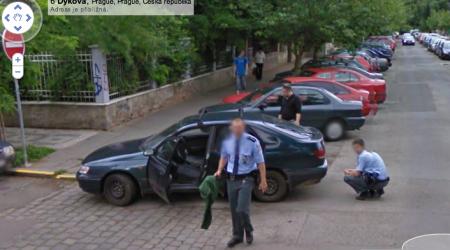 StreetView zajímavosti: policie obhlíží a nevíme proč